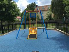 Air de jeux pour enfants à mobilité réduite